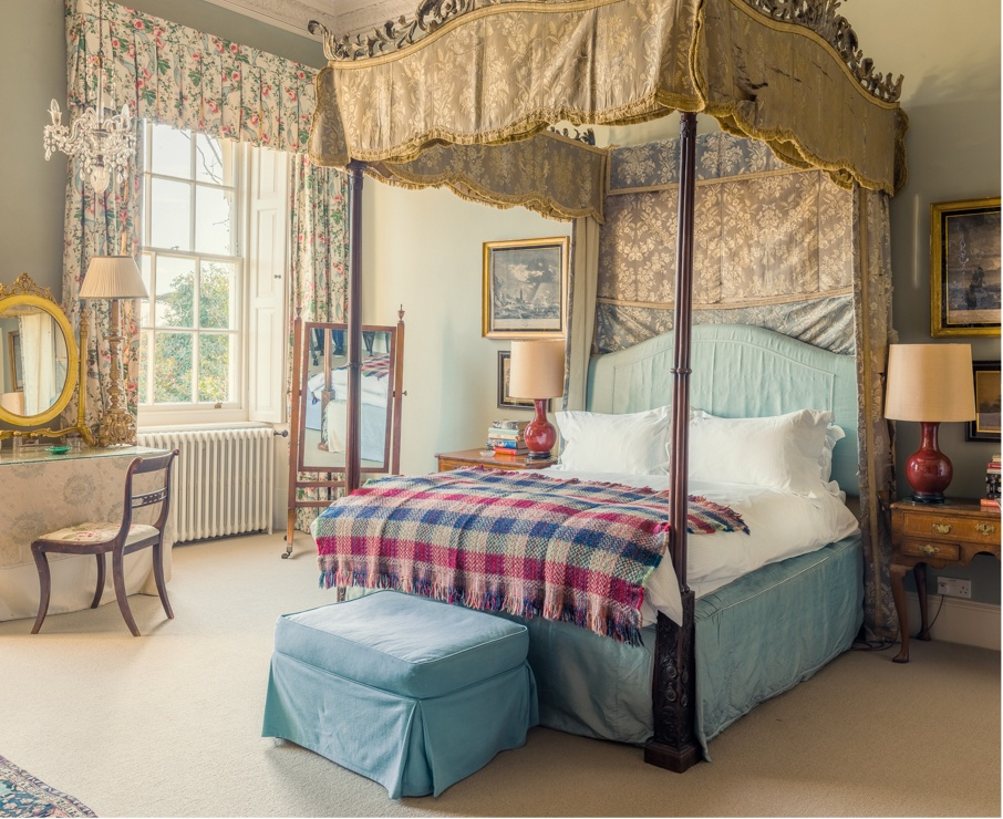 The Emma room offers luxury accommodation in Hampshire.